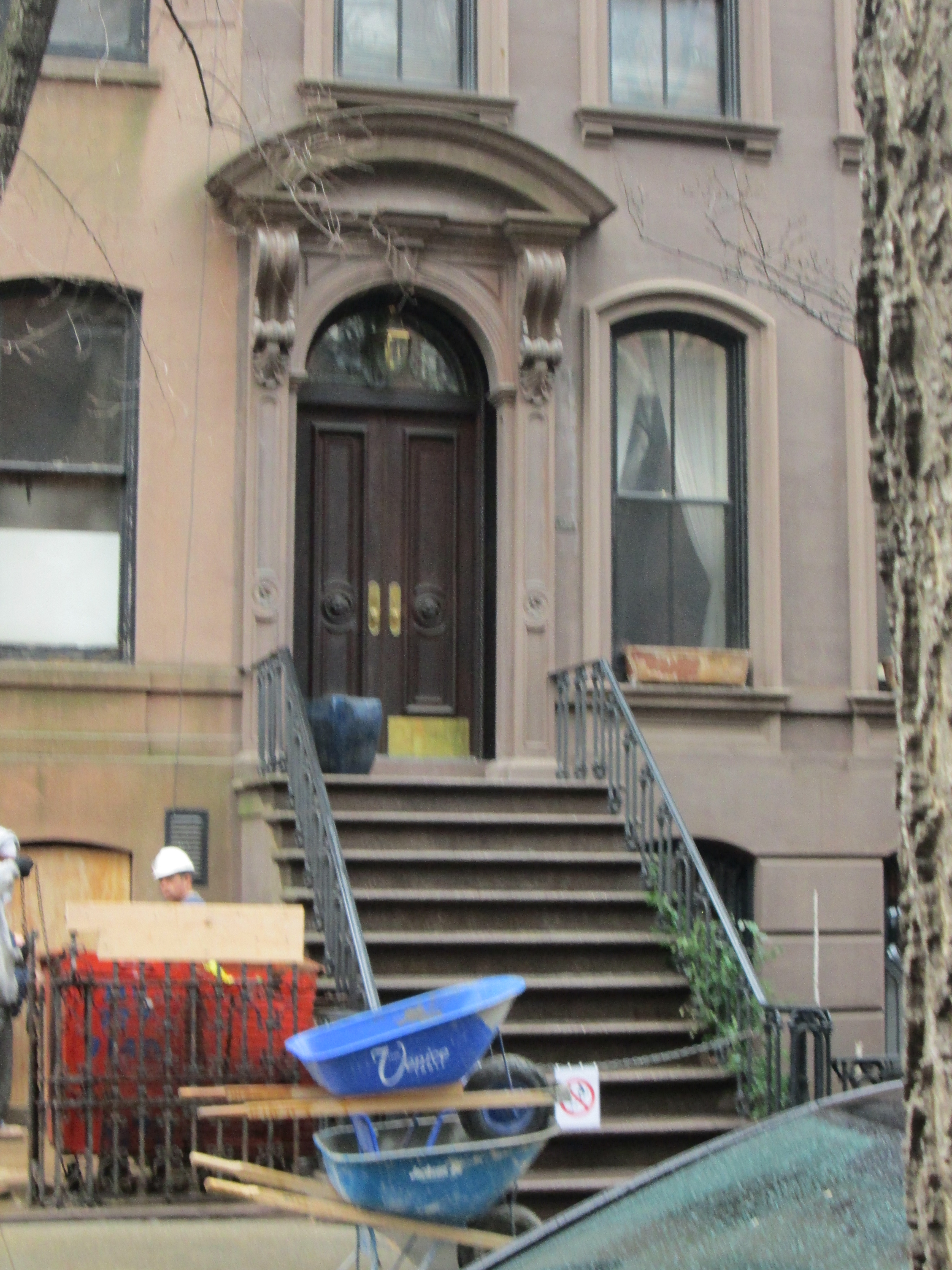 Our NYC guide showed us Carrie's stoop for the Sex and the City fans!