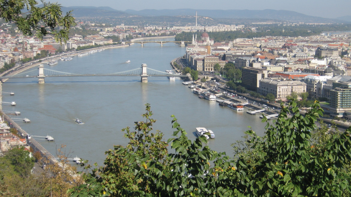 walking tours Budapest solo travel
