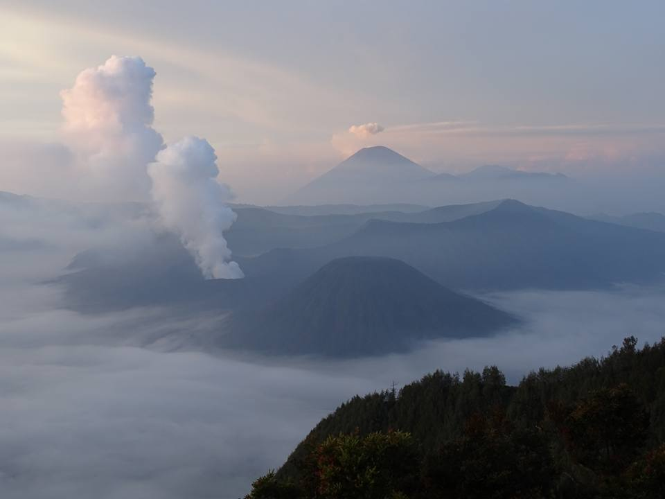 Bromo volcano solo travel Java