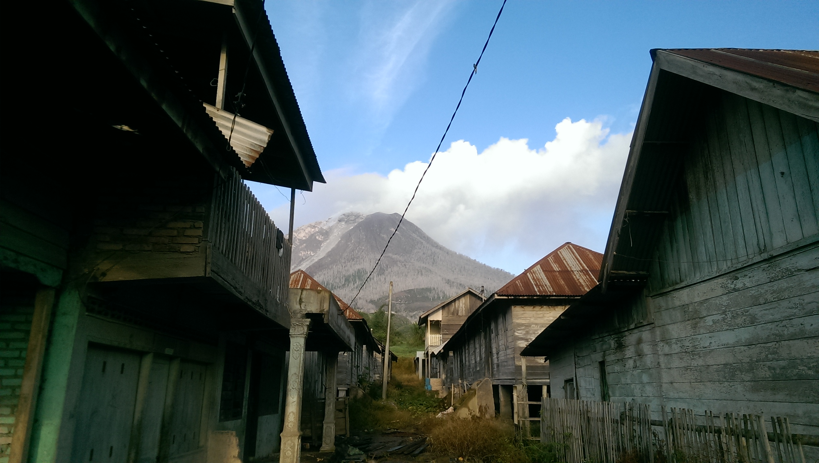Sumatra volcano Sibayak Sinabung solo female travel Indonesia