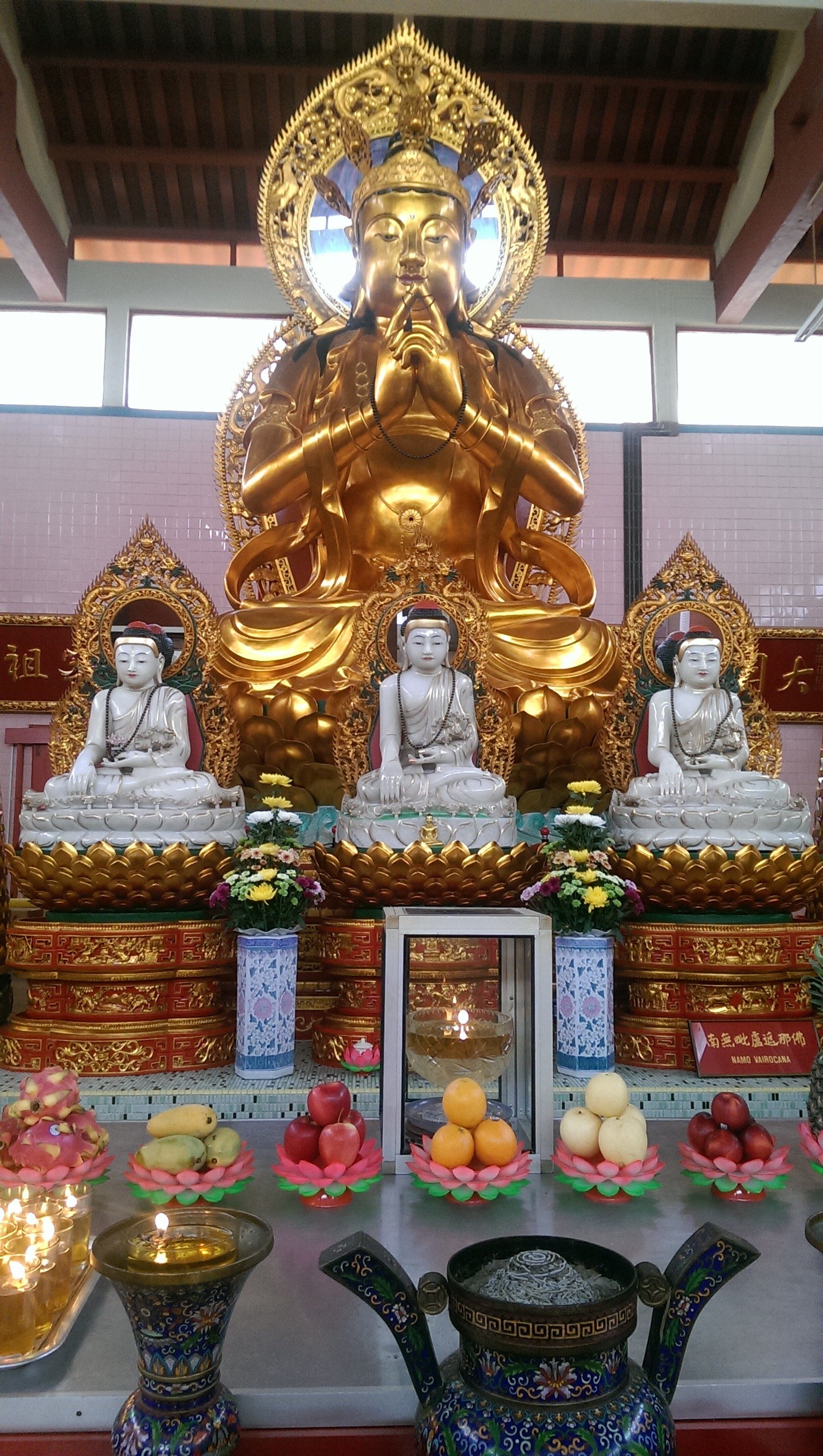 Malaysia Cameron Highlands solo female travel Sam Poh Buddhist Temple