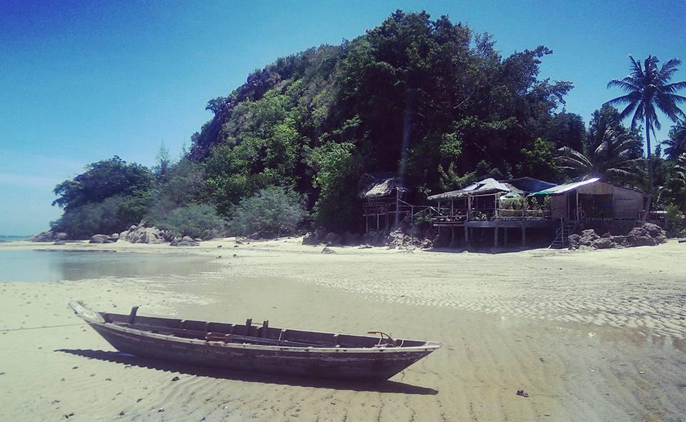 Koh Phangan Thailand solo female travel volunteering Gaia Yogashala