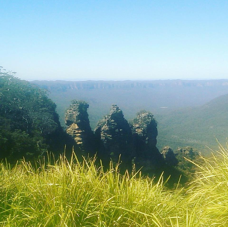 Three Sisters Blue Mountains Sydney Australia solo female travel