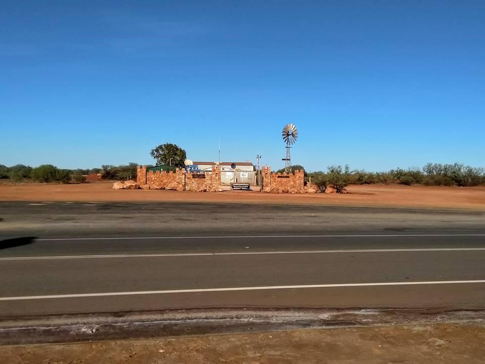 Roadhouse Western Australia solo